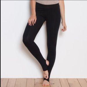 Fabletics Stirrup Leggings Yoga Pants